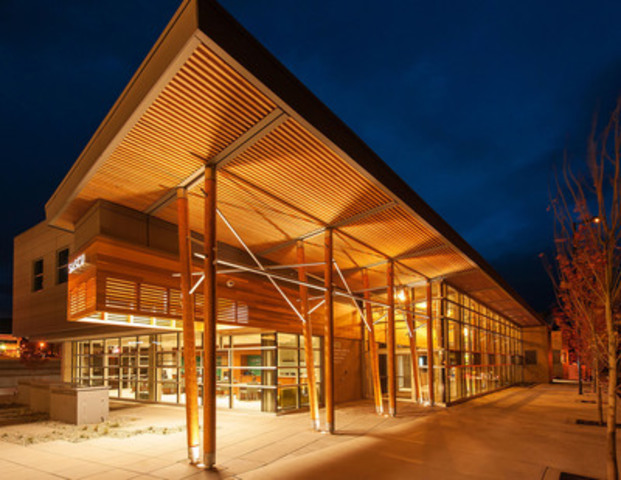 Cnw 2014 awards event in b c celebrates the best in for Best wood for building a house