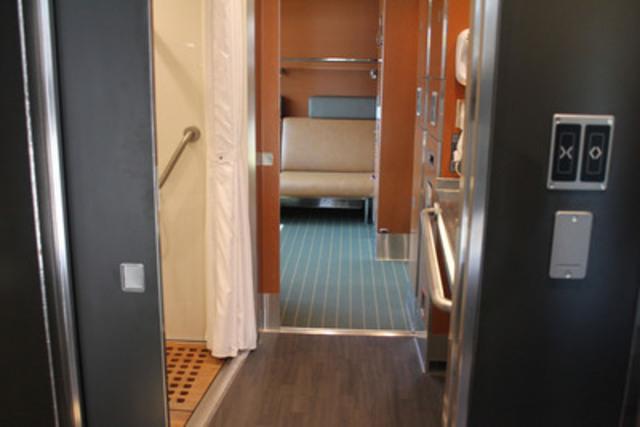 Premier voyage de la nouvelle cabine accessible pour deux Via rail canada cabin for 2