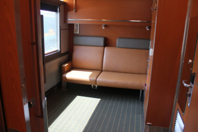 Via rail 39 s new accessible cabin for two makes its Via rail canada cabin for 2