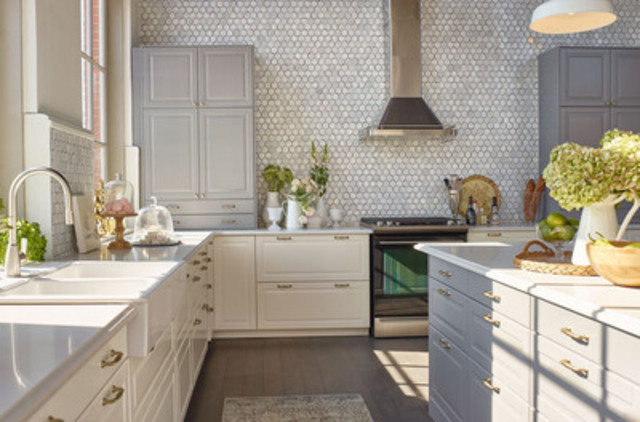 Four canadian celebrities four personalized kitchens for Jillian harris kitchen designs