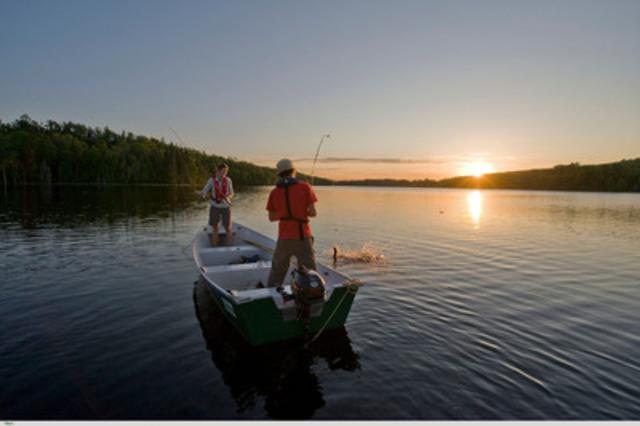 Le jeu la pêche prise à lennemi sur