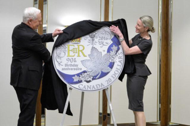fr news releases la monnaie royale canadienne devoile une piece coloree en argent soulignant le e anniversaire de naissance sa majeste reine elizabeth ii