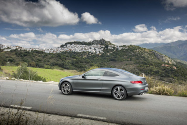 Mercedes benz canada reports continued year to date growth for Mercedes benz in canada