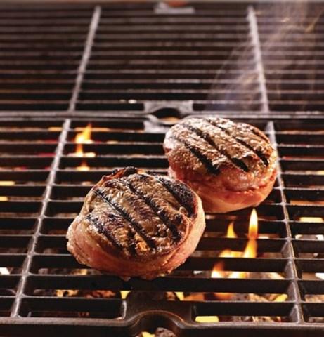 Préparer Un Barbecue Pour 20 Personnes les hommes s'occupent du barbecue cette saison, mais une