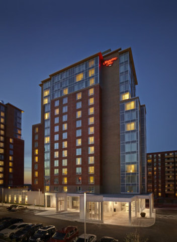 hilton hotels focus on market niche Use information systems to enable a focused strategy on a single market niche  specialize example: hilton hotels' onq system to analyze most profitable.